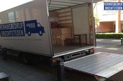 Verhuisbedrijf Leiden vrachtwagen